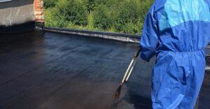 Ремонт крыши с использованием жидкой резины